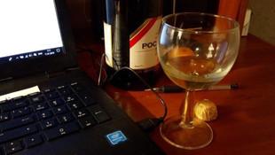 Тост за профпригодность: за пьянство на удаленке предложили не увольнять