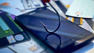 Мошенники приняли кадровое решение. Под атаки с подменой номера попали менеджеры банков