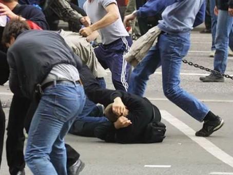 Профсоюз учителей предложил отказаться от родительских чатов после массовой драки