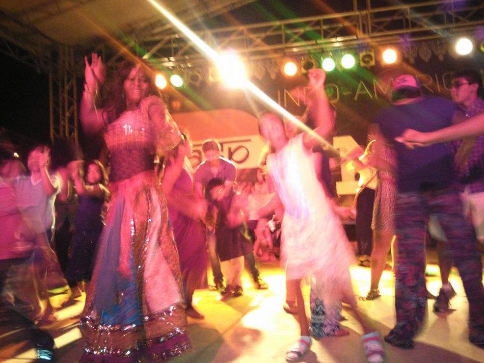EE29 Bollywood line dance