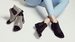 2 pairs of womens shoes