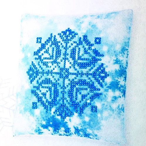 Diamond Dotz Christmas Snowflake Mini Pillow