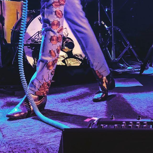 Looking forward to a little bit of Nashville in California tonight! Break a rhinestone-studded leg _