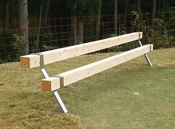 屋外用ベンチ | アドベンチー | 角材2本だけのシンプルなベンチ