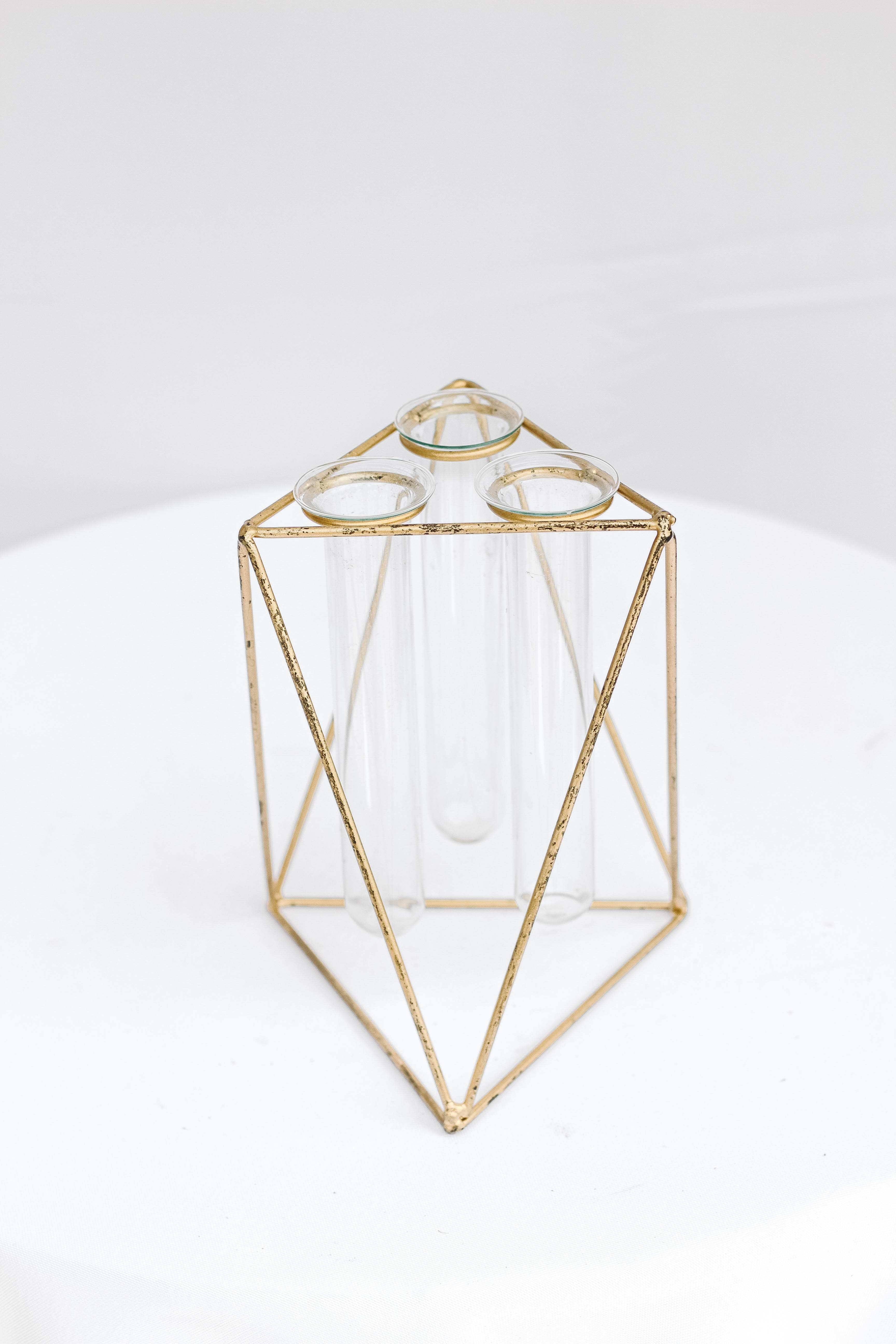 3D Triangle with Tube Vase