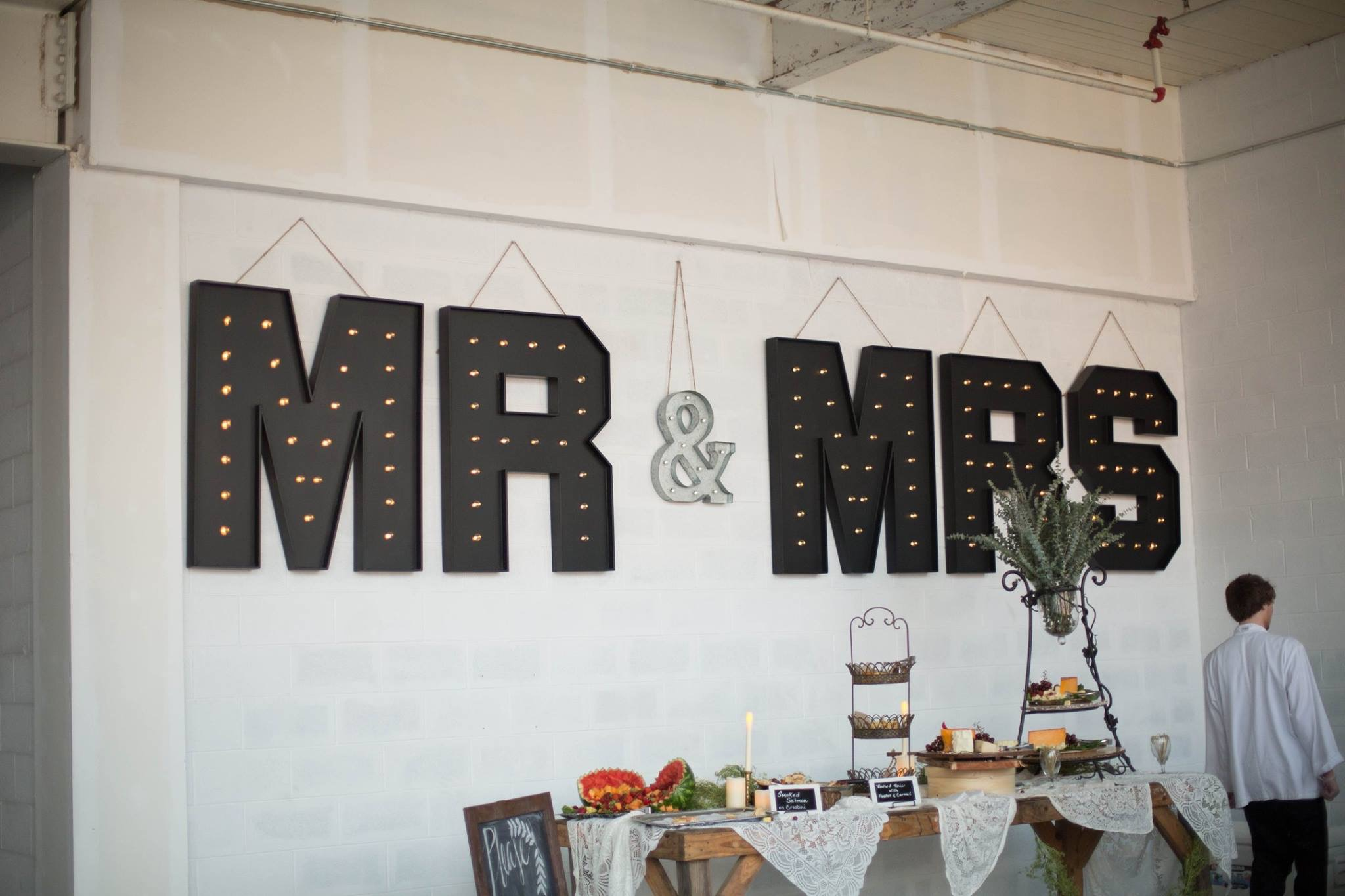 Mr&Mrs Marquee Letters