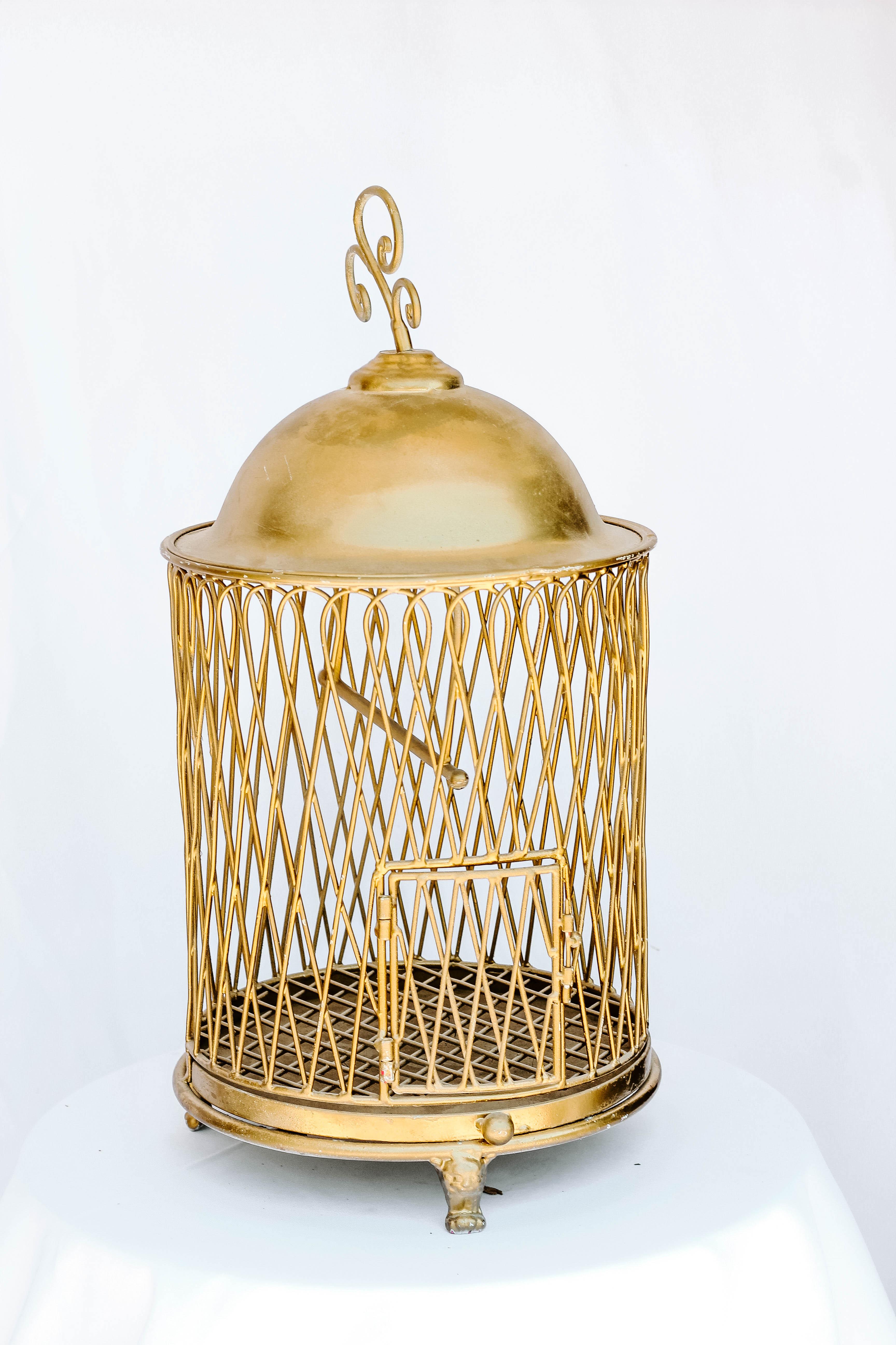 Round Bird Cage Card Holder