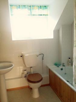 Upstairs Shared Bathroom