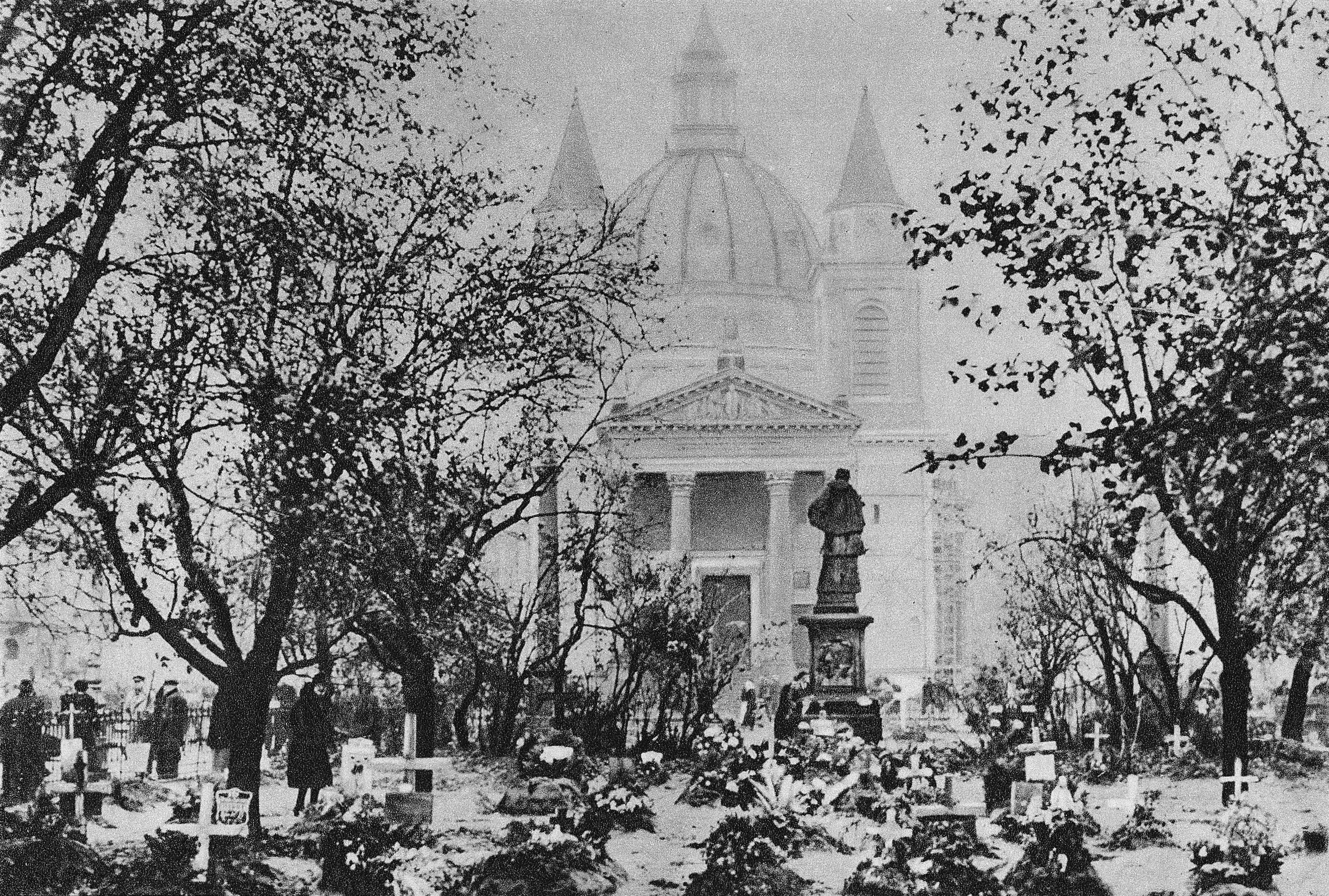 Groby_na_placu_Trzech_Krzyży_1939
