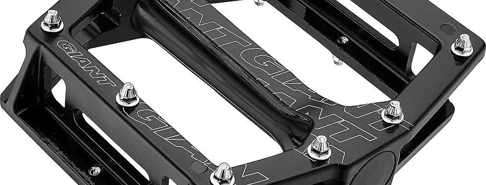 Platformové pedály Giant original MTB pedals core