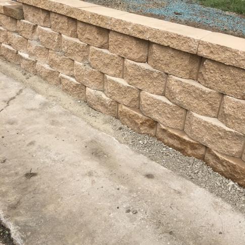 Paver retaining wall