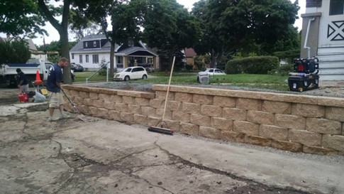 Tiered retaining wall