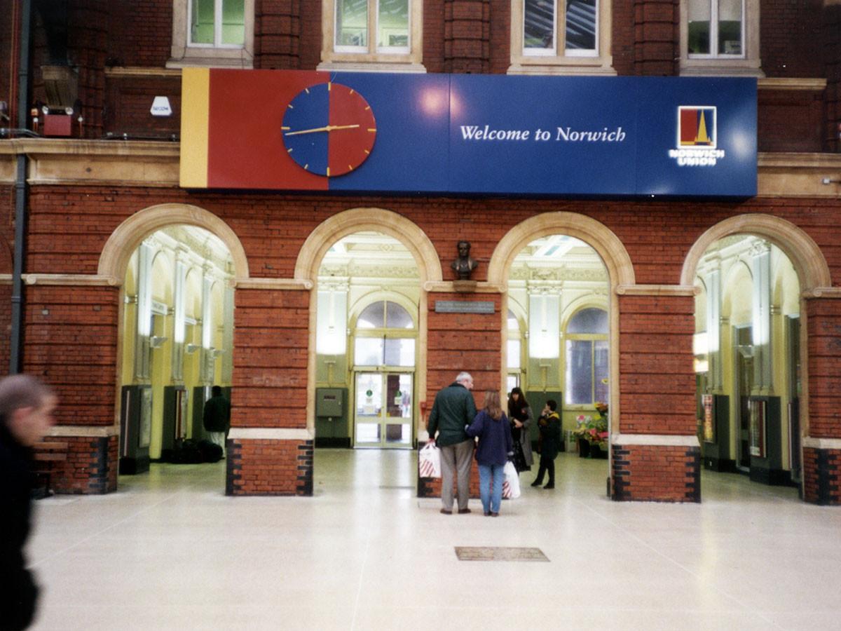 Norwich-Station-Clock.jpg