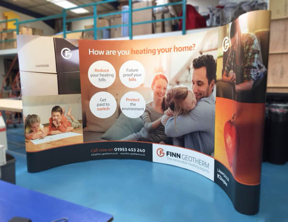 Wide curved Pop-up display - Finn Geotherm