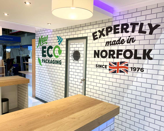 Exhibition Stand Bar and Store Naturediet at Crufts 2019