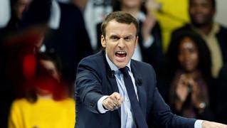 Macron face aux gilets jaunes : le pays légal face au pays réel