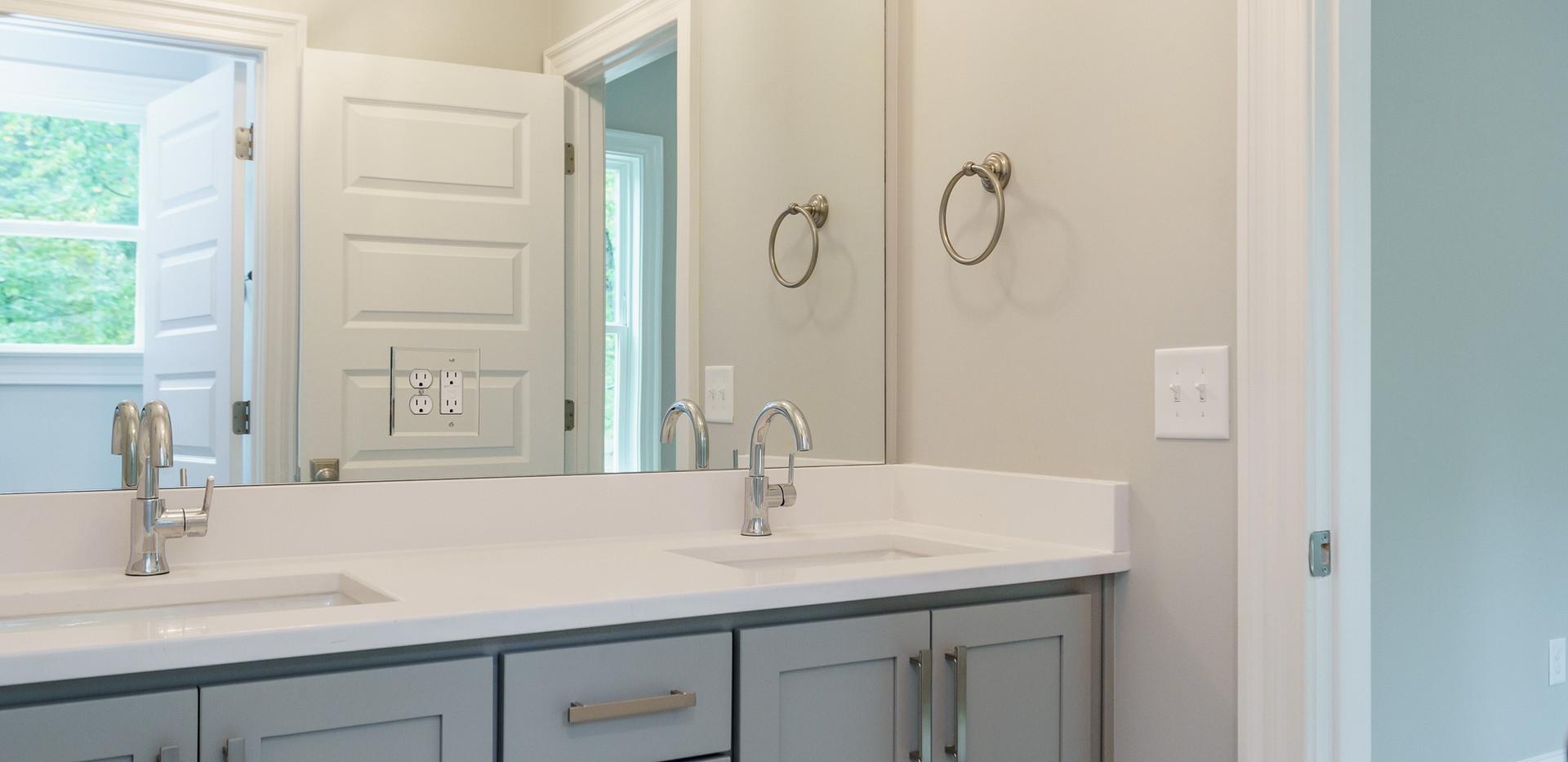 035_Bathroom.jpg