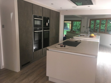 KITCHEN FITTING & CARPENTRY