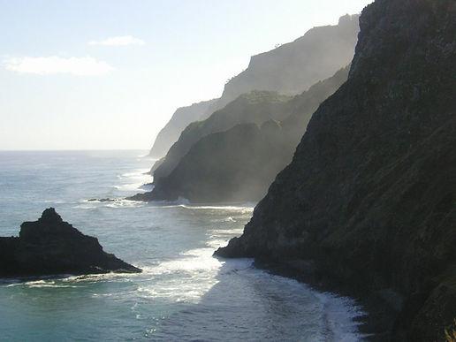 cliffs-176014_1280.jpg
