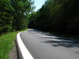 road-259815_1920.jpg