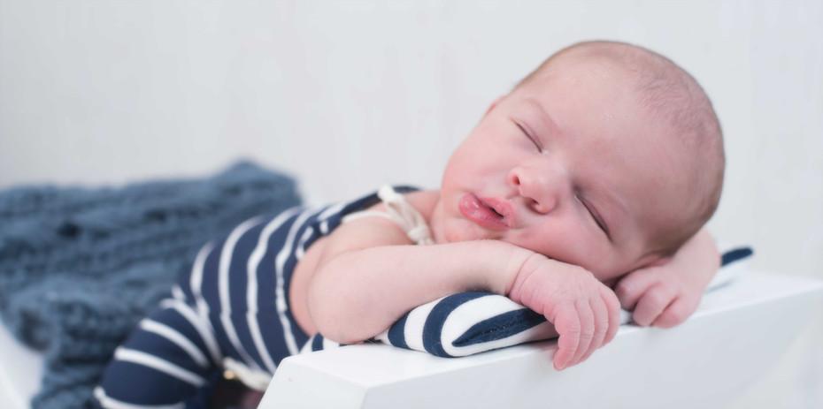 Fotografía de newborn en Pontevedra de uno punto cuatro fotografía