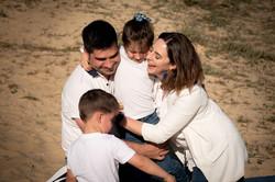 sesión de fotografía de famila en Sanxenxo de uno punto cuatro fotografía