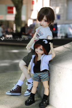 Momiji & Cooper  (@Myushi)