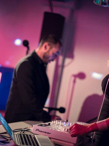 DJ Lady Lee - company event DJ