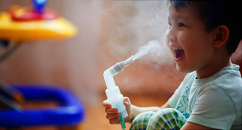 650x350_helping_child_use_nebulizer_feat