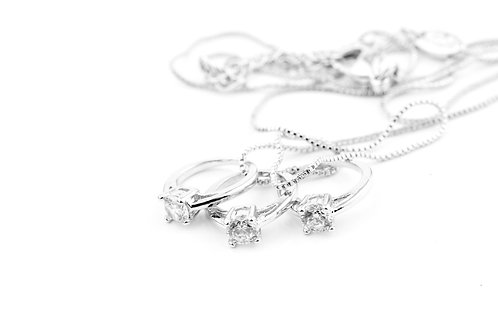 3 Solitare Rings Necklace