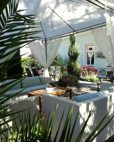 Relax & Unwind in Villa Rosa's Beautiful Gardens