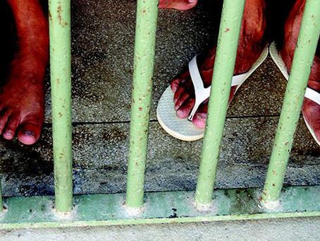v6a7| COVID-19 nas prisões brasileiras: seletividade penal e produção de corpos descartáveis