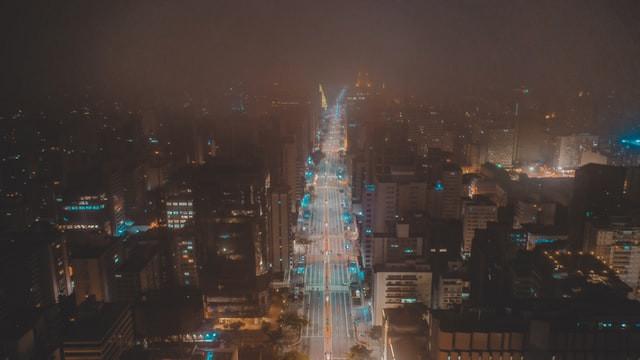 v3a38| Afinal, qual o sentido da metrópole em tempos de epidemias?