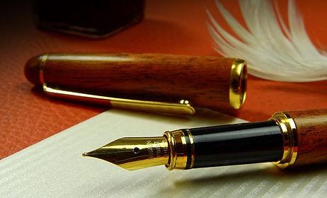 close-up-composition-desk-372749.jpg