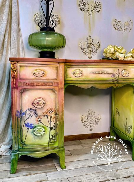 """Meet """"Garden of Eden"""" Vintage Desk Makeover"""