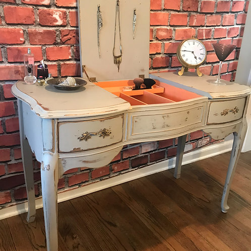 Vintage French Provincial Vanity