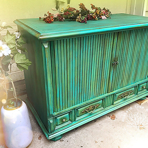 """Rainforest"" Vintage Blanket Chest/TV Stand"