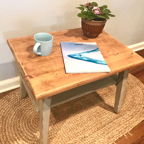 Classic Farm End Table / Nightstand