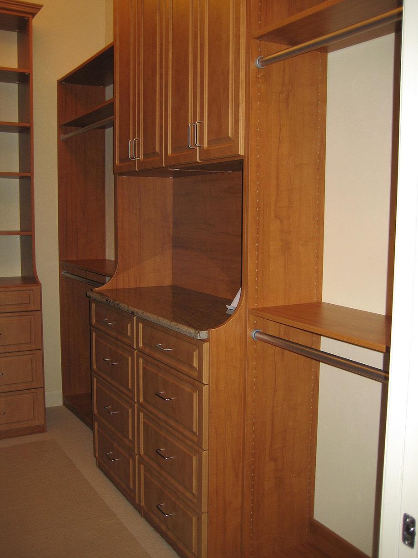 Woodgrain Melamine Closets
