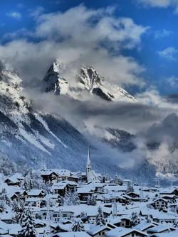 Blick auf Pettneu am Arlberg. Unser Haus befindet sich gut 200 Meter höher als die Kirche, Richtung