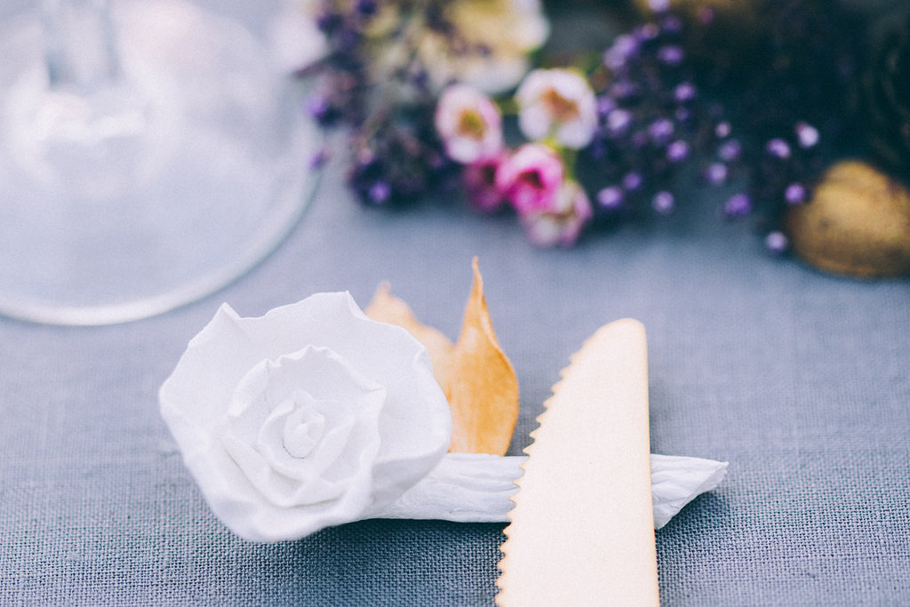 Le porte-couteau en porcelaine