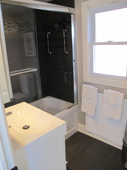 Hopewell-Bathroom1