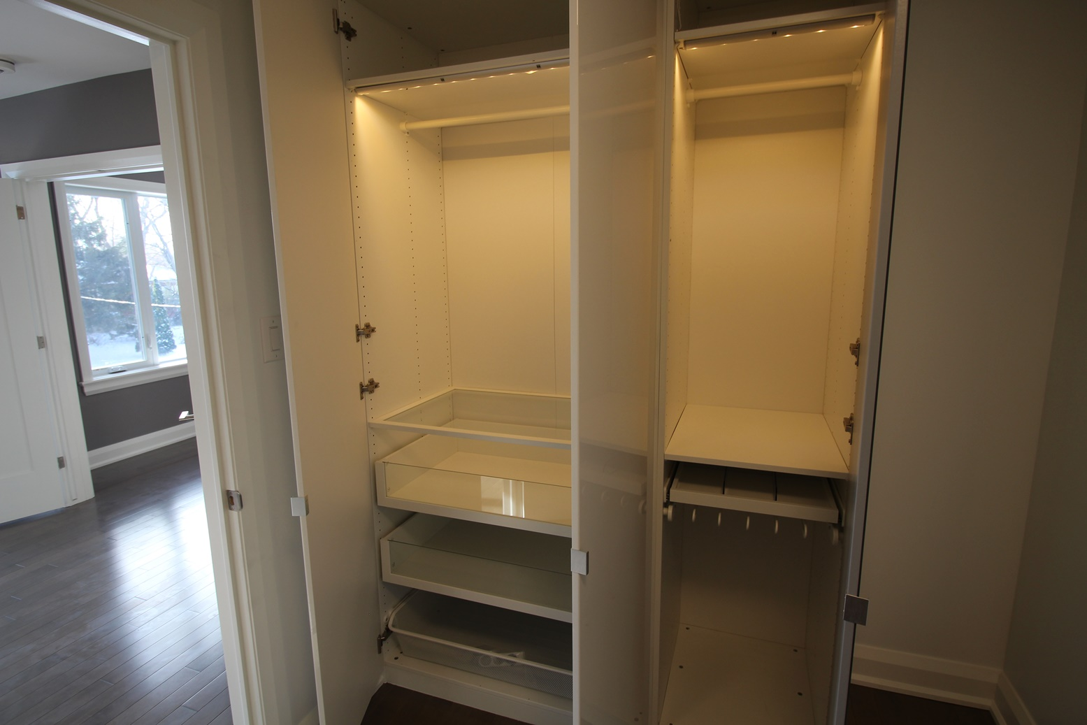 Rossland-Closet2