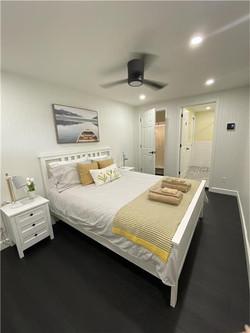 Laurentian-bedroom3