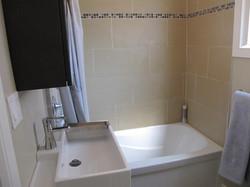 Hopewell-Bathroom2