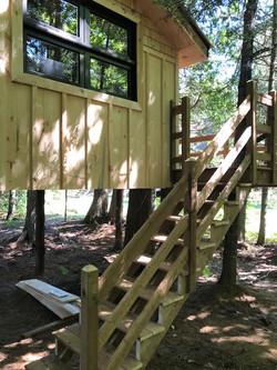 treehouse-exterior4
