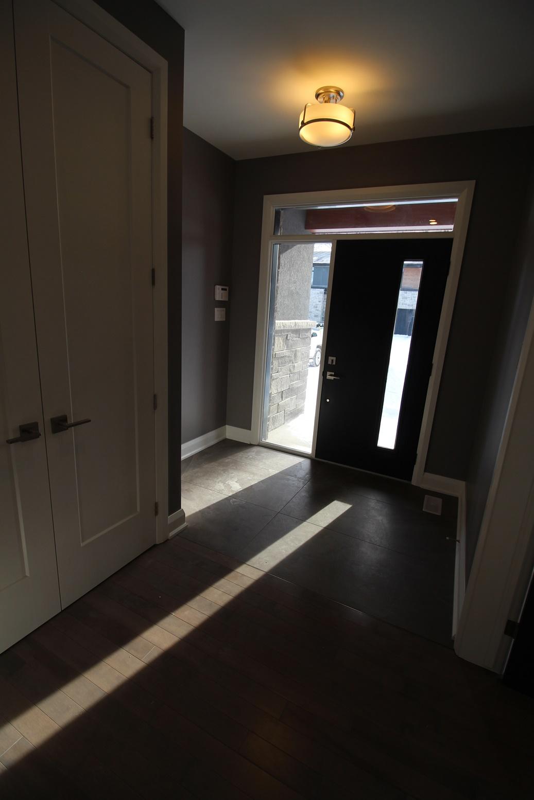Rossland-Foyer1