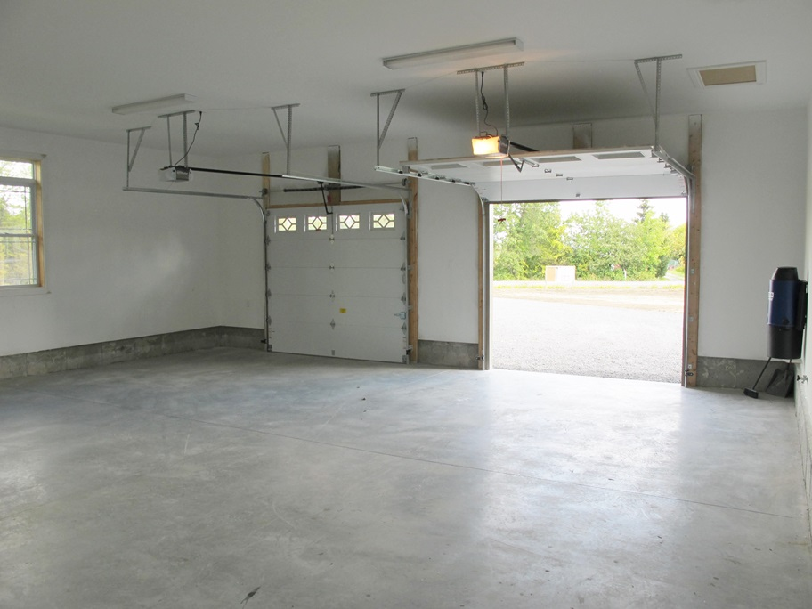 Jones-Garage2