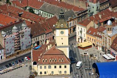 Piaţa Sfatului, Braşov from atop Mount Tâmpa
