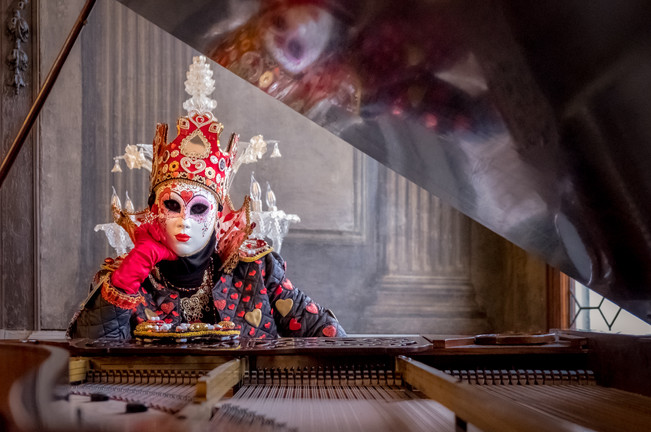 Queen of Hearts at Piano I